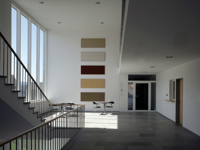 schmid architekten bauten weitere bauten neubau gemeindehaus bibliothek und. Black Bedroom Furniture Sets. Home Design Ideas